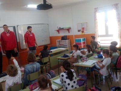 Suskavcevic, Cuéllar y Mejía visitan el Colegio Nuestra Señora del Carmen