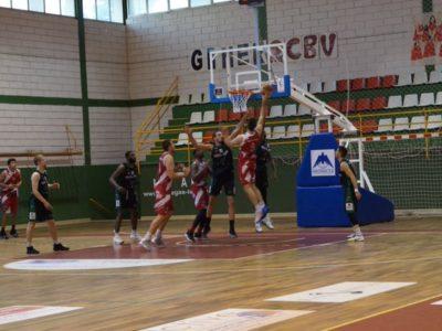 El Club Baloncesto Villarrobledo reivindica de nuevo su dominio en casa