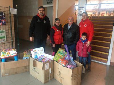 Entregamos los juguetes recaudados a Cruz Roja Villarrobledo
